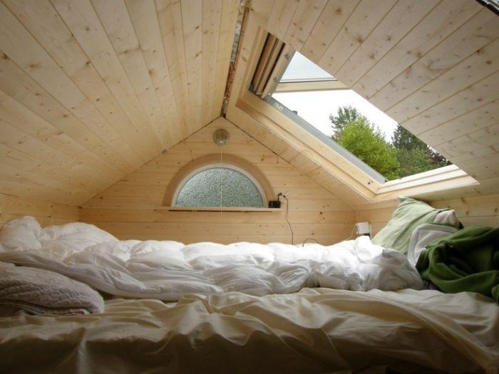 Kuvittele vain itsesi tässä sängyssä! Tarkkaile talviöinä lumen laskua ja lämpimin kesäisin nauti tähtitaivasta ennen nukahtamista. Ihana!