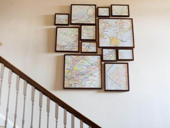 Разрезанная карта в рамках.
