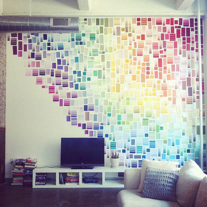 Стена со стикерами.