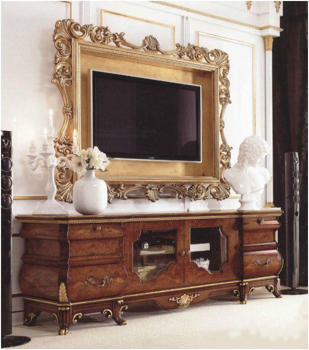 Плазмената телевизия, окачена на стената, може да бъде украсена с рамка, багет или широко формоване.