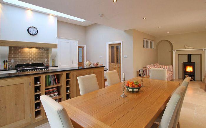Skylight над кухнята с отворен план
