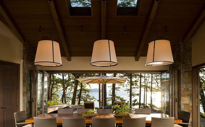 Зашеметяваща трапезария със светлинни прозорци от Кристиан Гревстад