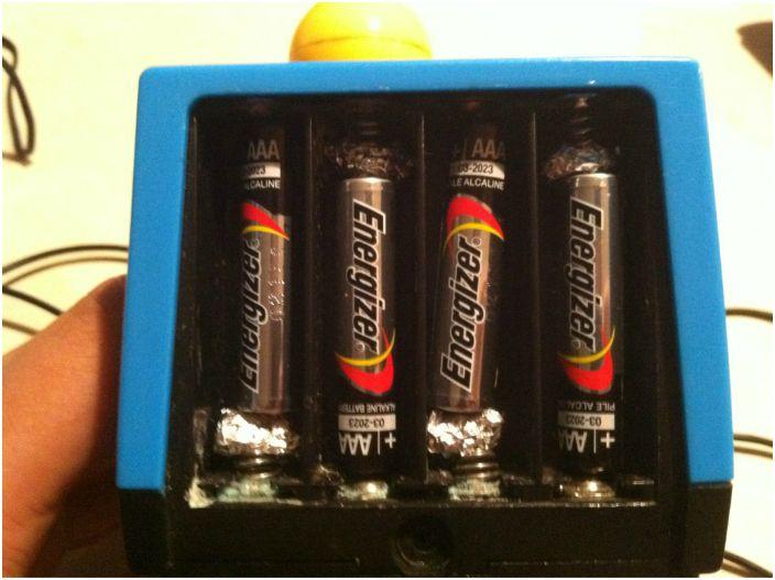 Użyj folii, aby zwiększyć rozmiar baterii.