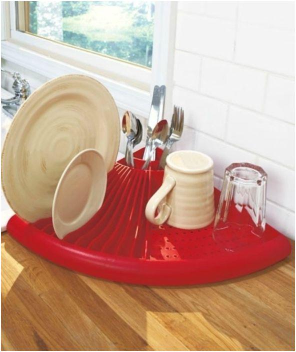 Ъглов дренаж за съдове, който ще увеличи максимално спестяването на пространство в близост до мивката.