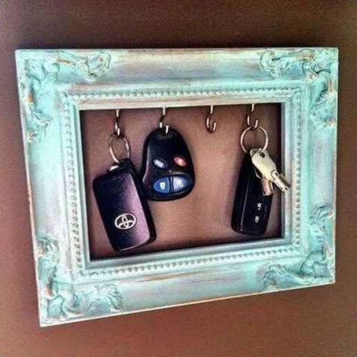 Замечательная ключница избавит от долгих ежедневных поисков ключей по всей комнате.