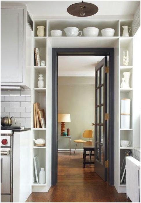 13. Разумное использование места вокруг дверного проёма