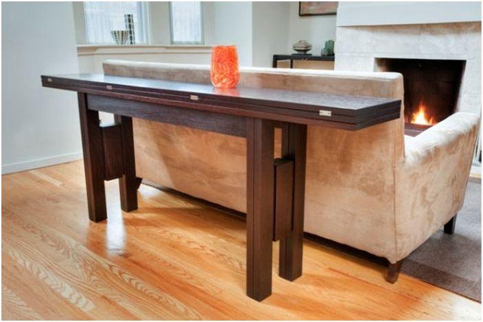 2. Раскладной стол для маленьких пространств