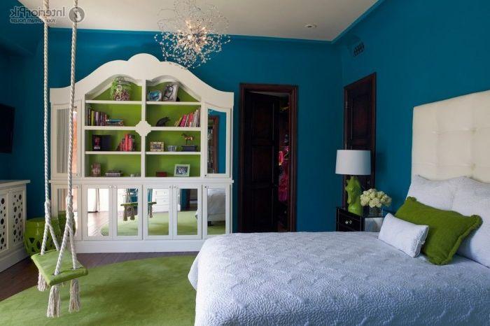 Светлозелена люлка, която да съответства на стаята.
