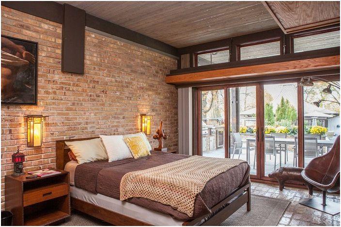 Красива стая в кафяви тонове с каменна плоча.