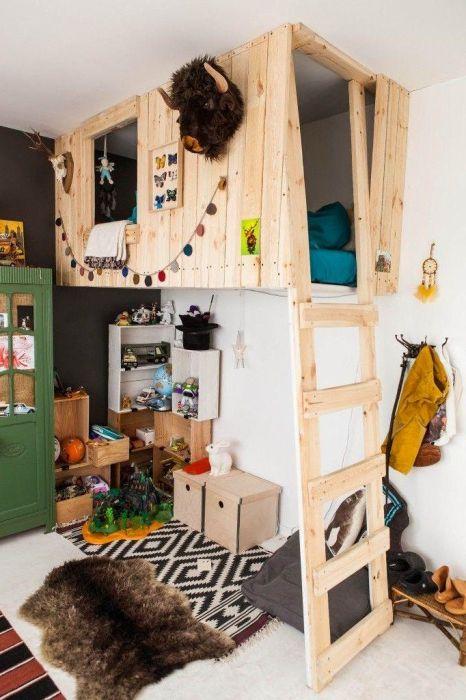 Pokój z placem zabaw na drugim piętrze.