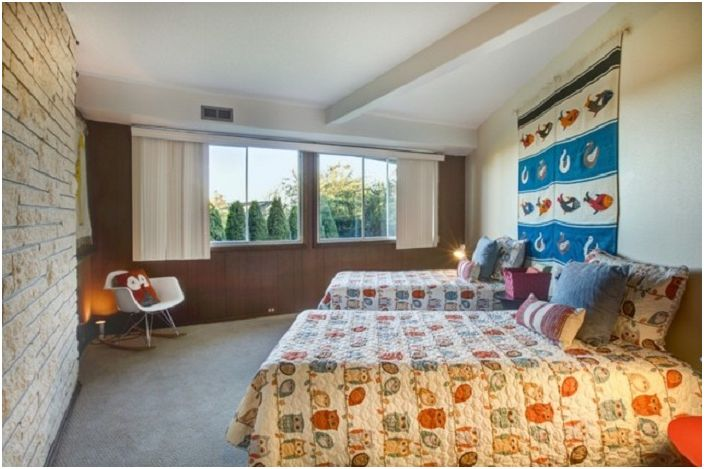 Интериор в стил Арт Нуво с добавяне на сладки сови е просто чудесно решение за детска спалня.