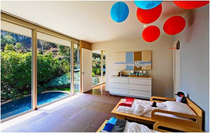 Минимализмът и ярките детайли в дизайна на стаята са просто неразделна част от стила на Арт Нуво.