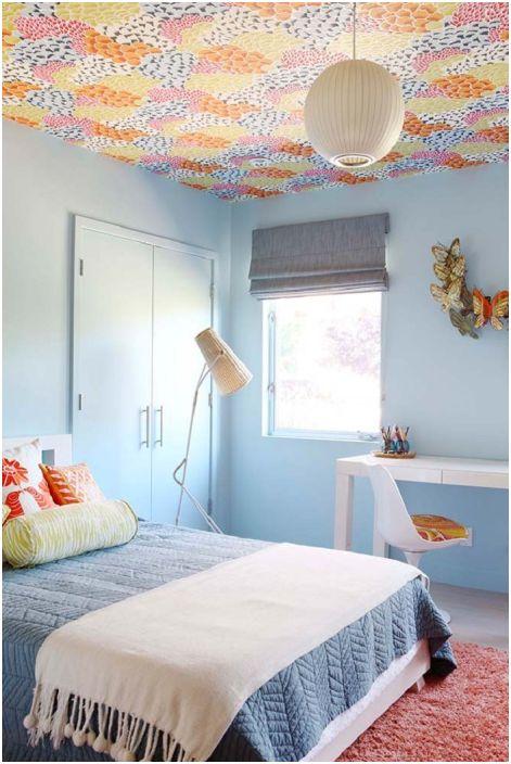 Специалното настроение на тази стая се предава от сините тонове, които правят модерната спалня в средата на центъра по-фина.