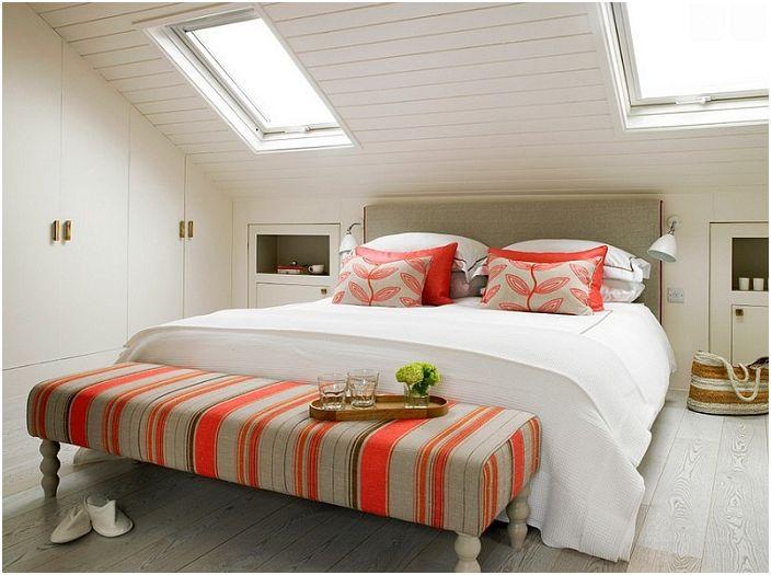 Doskonałe połączenie bieli z jaskrawą czerwienią pozwoli maksymalnie cieszyć się ciekawą aranżacją wnętrza.