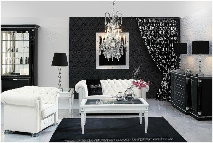 Прахът винаги е ясно видим върху тъмните мебели. За да избегнете проблеми с почистването, използвайте специални антистатични кърпички или избършете мебелите със салфетка, навлажнена с антистатично средство.