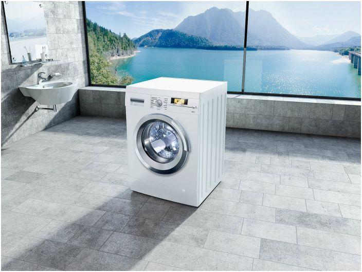 Начиная ремонт в ванной, в первую очередь, стоит подумать о расположении стиральной машины. Подключая ее, нужно максимально спрятать все трубки и обеспечить хорошее заземление.