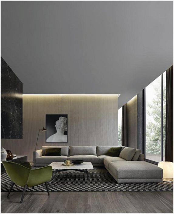Dekoracja salonu w szarych odcieniach w stylu włoskim z ukrytym oświetleniem.