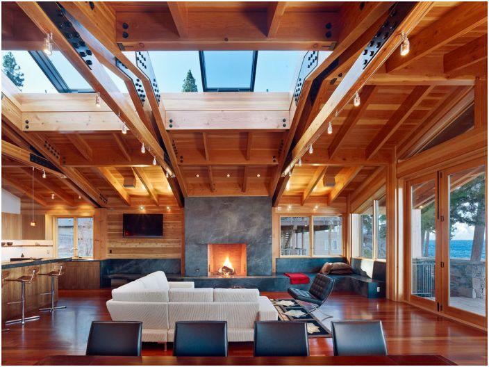 Salon z przytulną atmosferą, którą tworzy oświetlenie pośrednie.