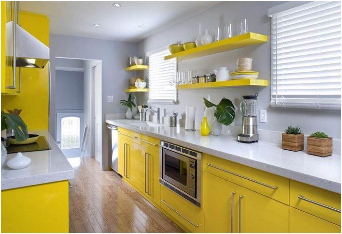 Кухнята може да придаде сладко настроение в такива нежни и в същото време сладки тонове, които създават необичаен комфорт по свой начин.