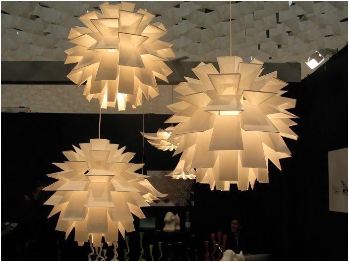 Три отличных светильника в форме солнца не оставят равнодушным никого.