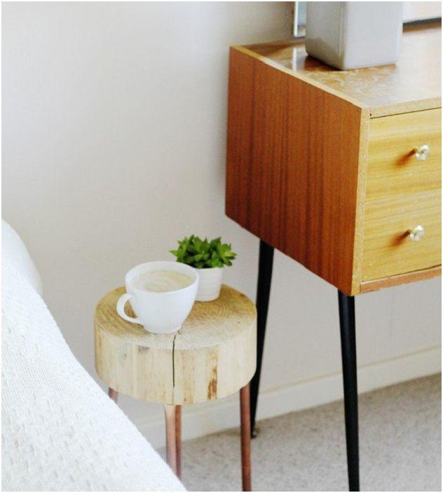 Компактна маса за чаша ароматно кафе или чай ще бъде чудесно допълнение към домашния интериор.