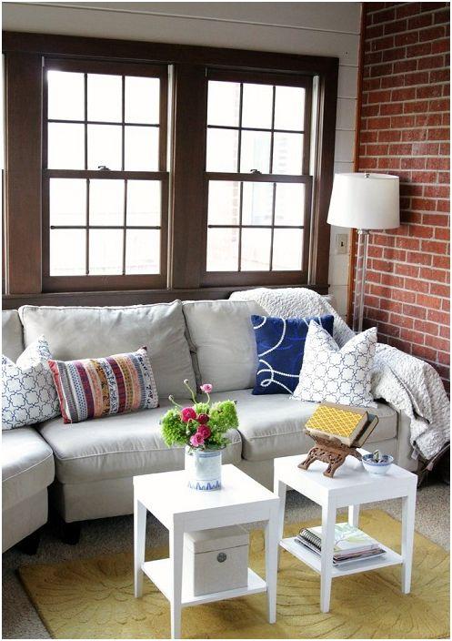 Домашняя обстановка комнаты настраивает на отдых и релаксацию.