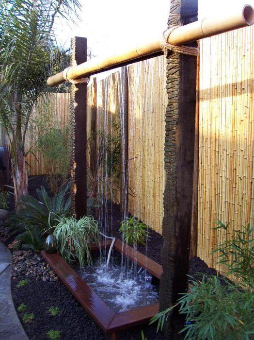 Необичаен бамбуков водопад.