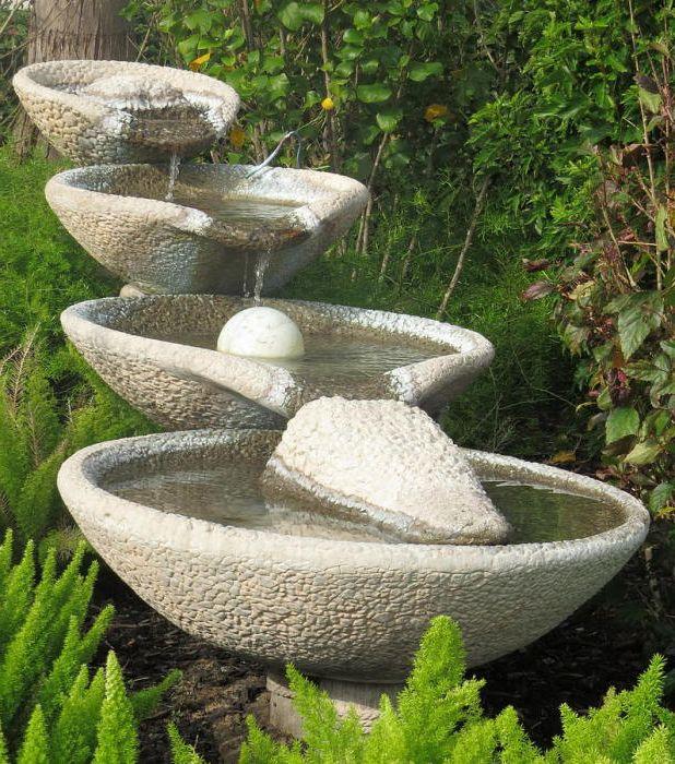 Фонтан в саду хорошо поможет успокоить нервы.