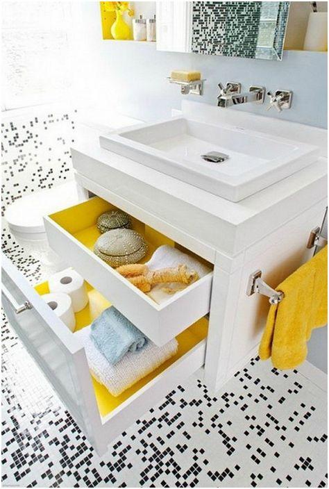 В пространството под мивката може да се постави просторен шкаф с чекмеджета.