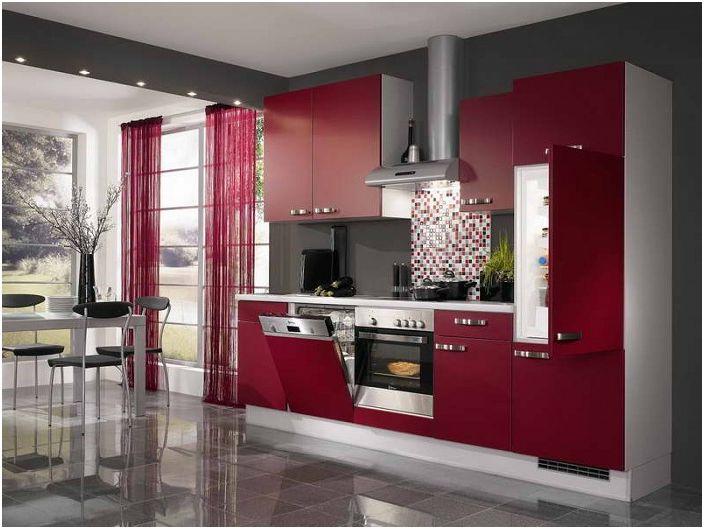 Дизайн на кухня в контрастни нюанси на узрели череши.