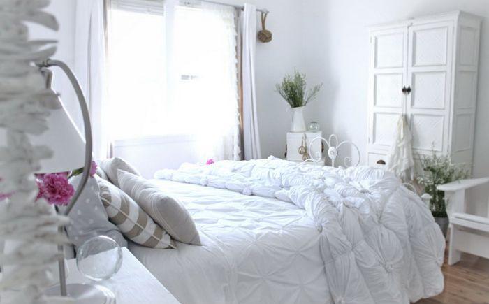 Спалня в бяло