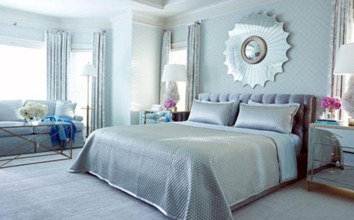 Сребристо и синьо в интериора на спалнята