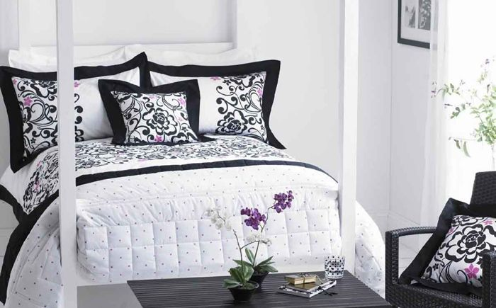 Черно и бяло в интериора на спалнята
