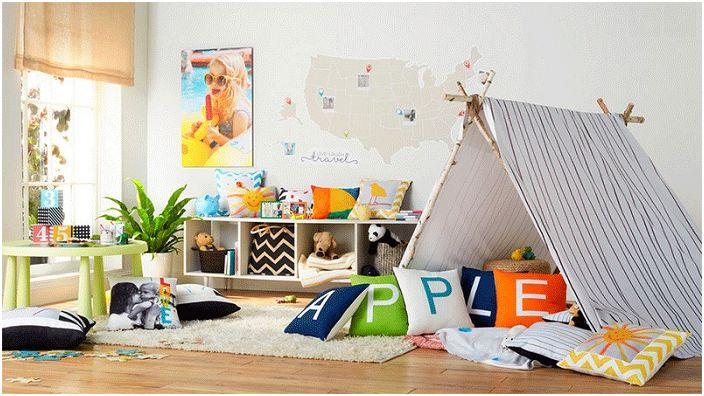 Спалня с вигвам и цветни възглавници е направена буквално за забавление.