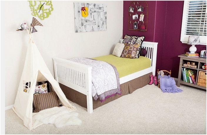 Малка детска стая, украсена с уигвам.