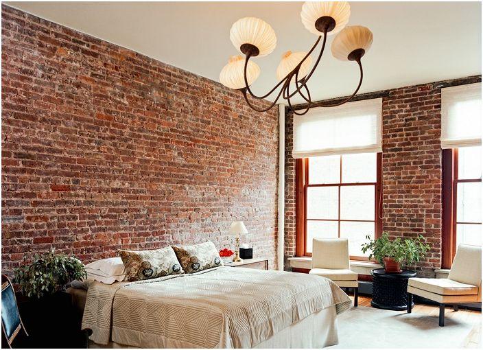 Отличен модерен декор с тухлена зидария, който придава винтидж нотка на интериора.