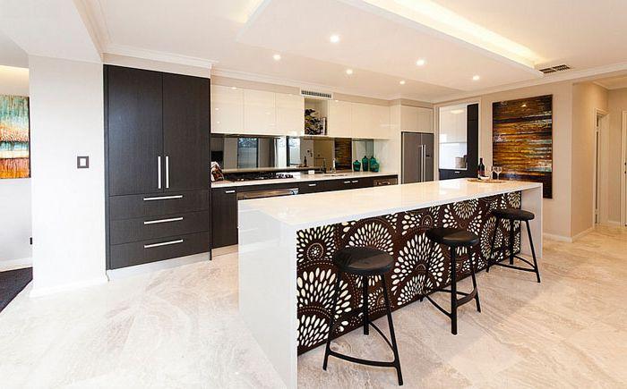Тапетът на необичайно място ще съживи атмосферата на цялата кухня
