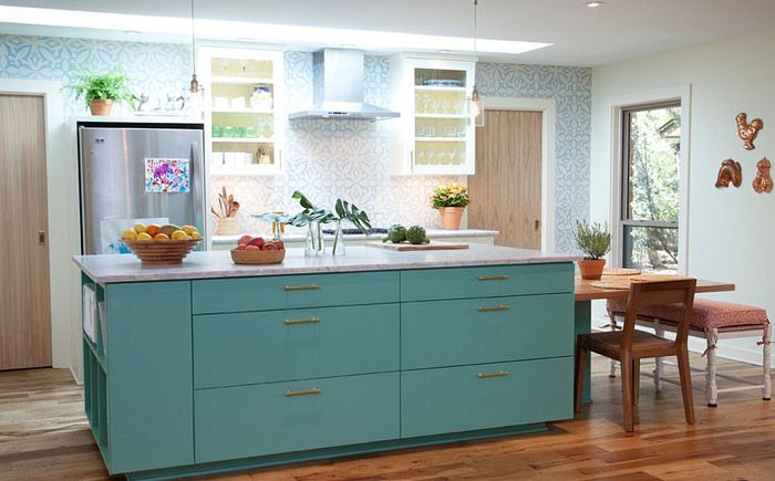 Кухня в средиземноморски стил от Tenney Construction