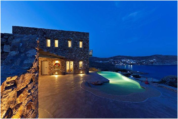 Каменные мотивы курортного города Миконос