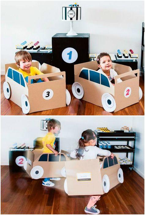 Игрушечные автомобили для малышей.