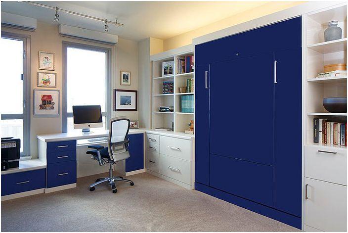 Домашен офис с индивидуално вградено легло от персонализирани шкафове и килери