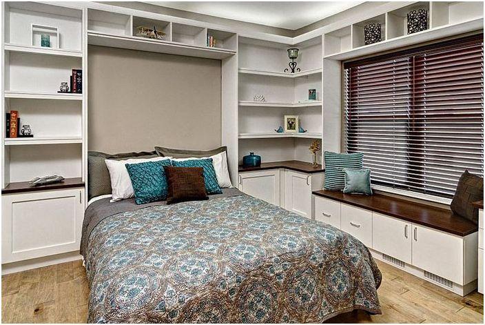 Интериор за офис-спалня от килера за цял живот