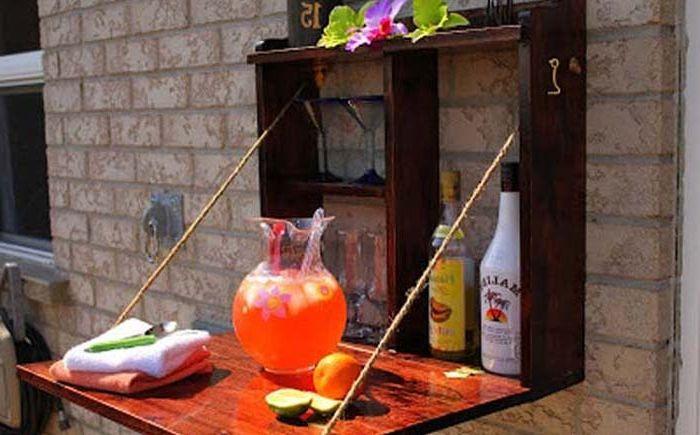 Мини-бар с опускающейся дверцей
