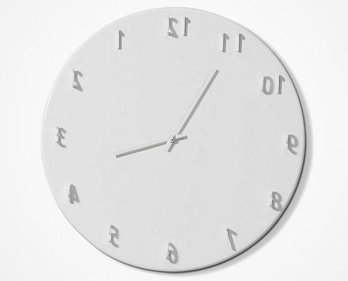 Часы Sundial с обманом зрения