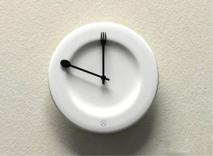 Часы из посуды