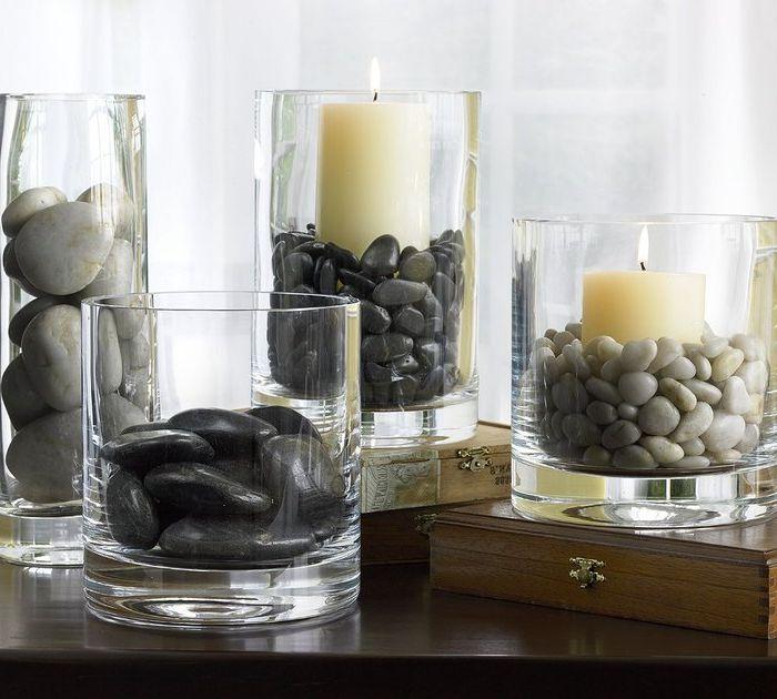Идея номер 22: свещници, изработени от прозрачни чаши и морски камъчета
