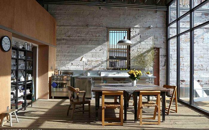 Кухненски интериор със стъклени стени от Anderson Nikolich Design Initiative