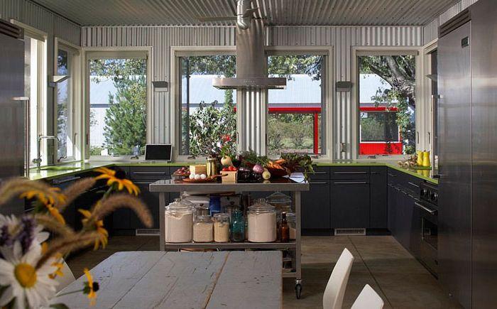 Интериорен кухненски интериор от Wheeler Kearns Architects