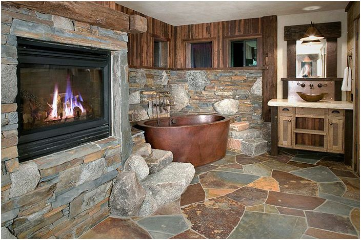 Wnętrze łazienki z High Camp Home
