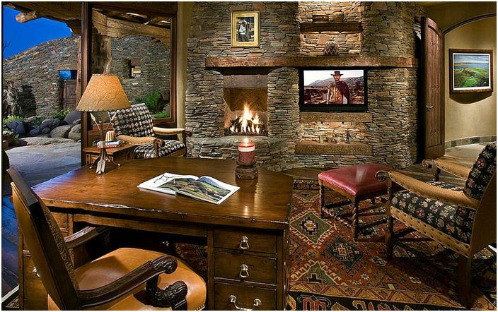 Kamienna ściana z kominkiem w biurze domowym